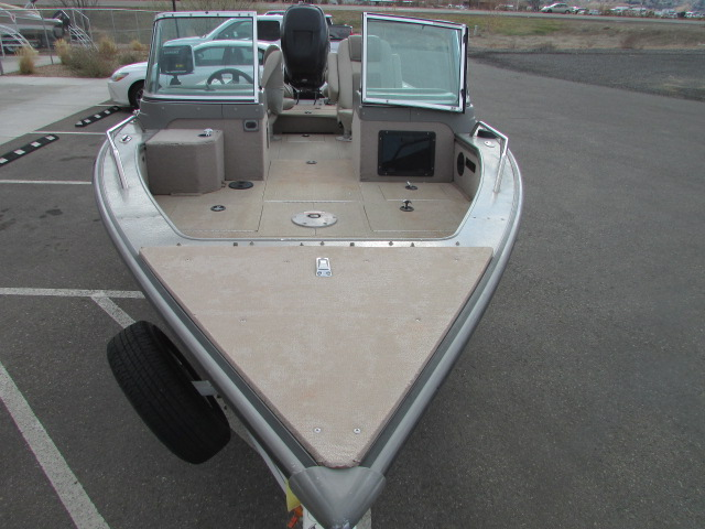 2006 Lund boat for sale, model of the boat is 2025 Pro V Magnum IFS & Image # 4 of 19