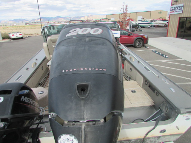 2006 Lund boat for sale, model of the boat is 2025 Pro V Magnum IFS & Image # 12 of 19