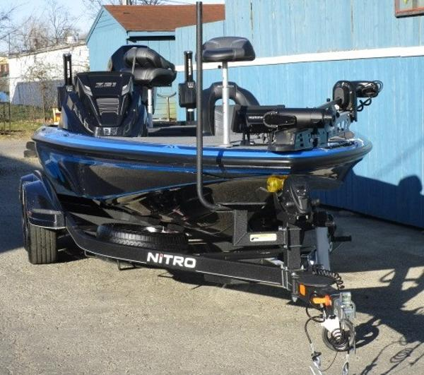 2021 Nitro boat for sale, model of the boat is Z21 Pro & Image # 2 of 19