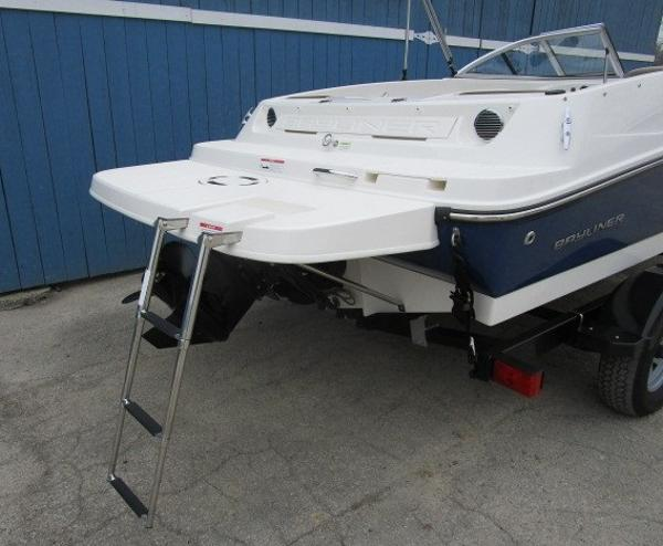 2015 Bayliner boat for sale, model of the boat is 175 Bowrider & Image # 4 of 24