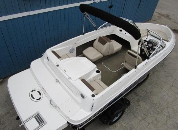 2015 Bayliner boat for sale, model of the boat is 175 Bowrider & Image # 7 of 24