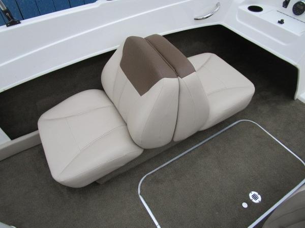 2015 Bayliner boat for sale, model of the boat is 175 Bowrider & Image # 13 of 24