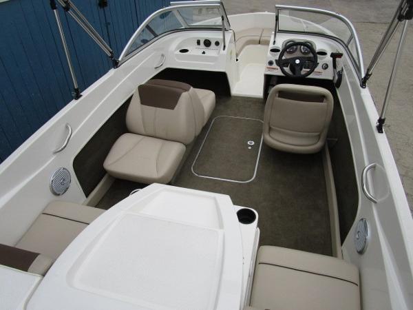 2015 Bayliner boat for sale, model of the boat is 175 Bowrider & Image # 17 of 24