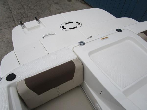 2015 Bayliner boat for sale, model of the boat is 175 Bowrider & Image # 18 of 24