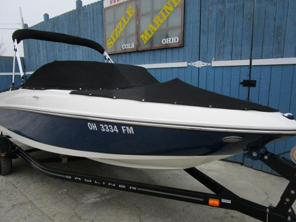 2015 Bayliner boat for sale, model of the boat is 175 Bowrider & Image # 21 of 24