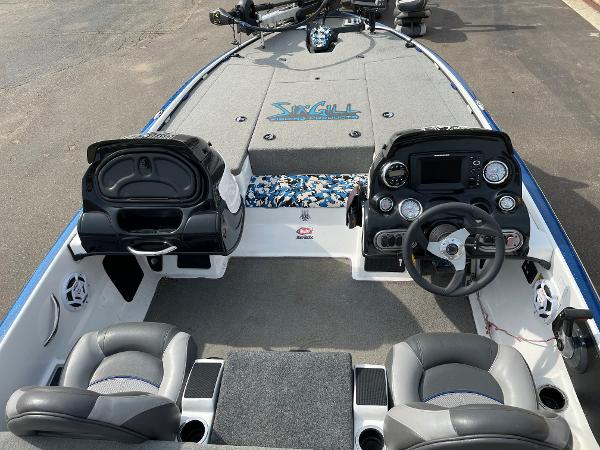 2015 Nitro boat for sale, model of the boat is Z-7 DC & Image # 4 of 6
