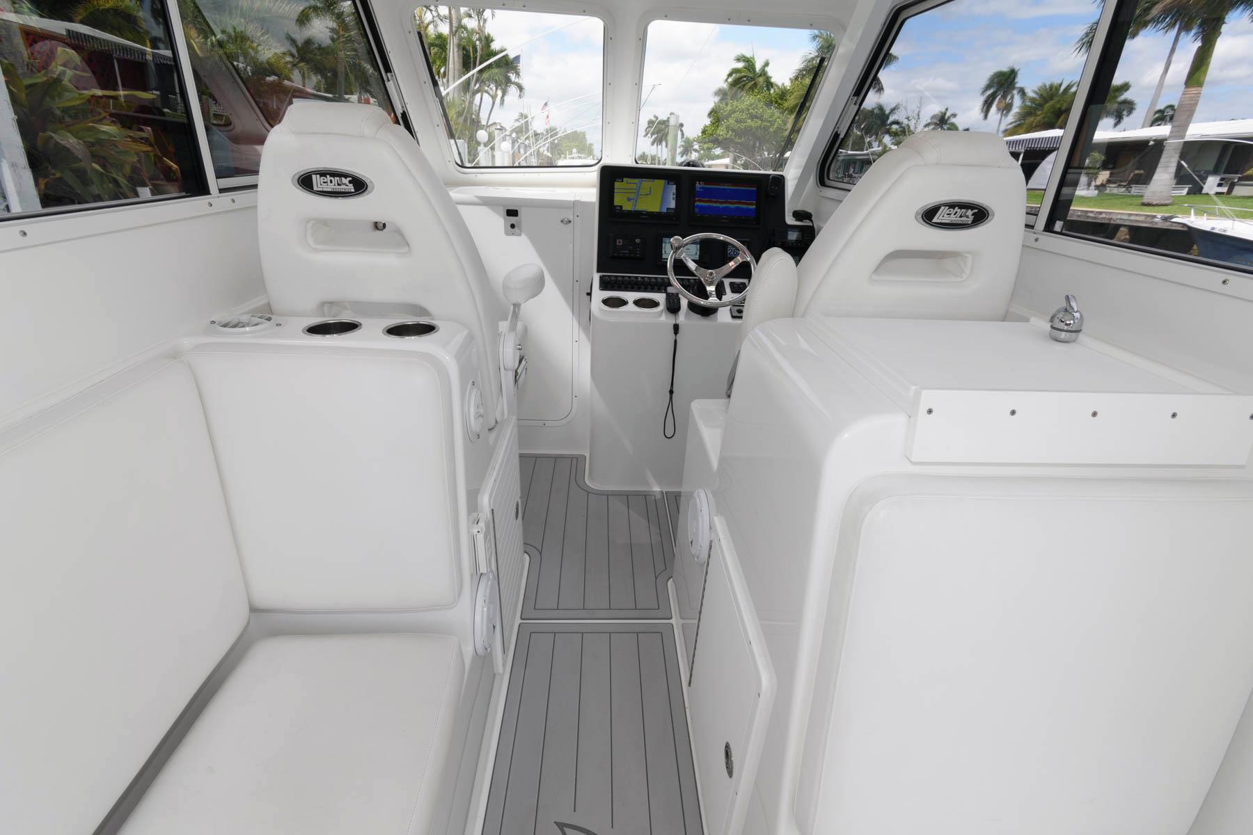 F 5982 CE Knot 10 Yacht Sales