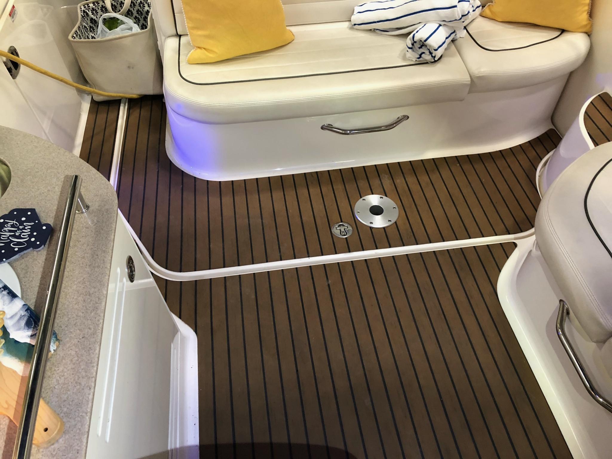 M 5922 VR Knot 10 Yacht Sales