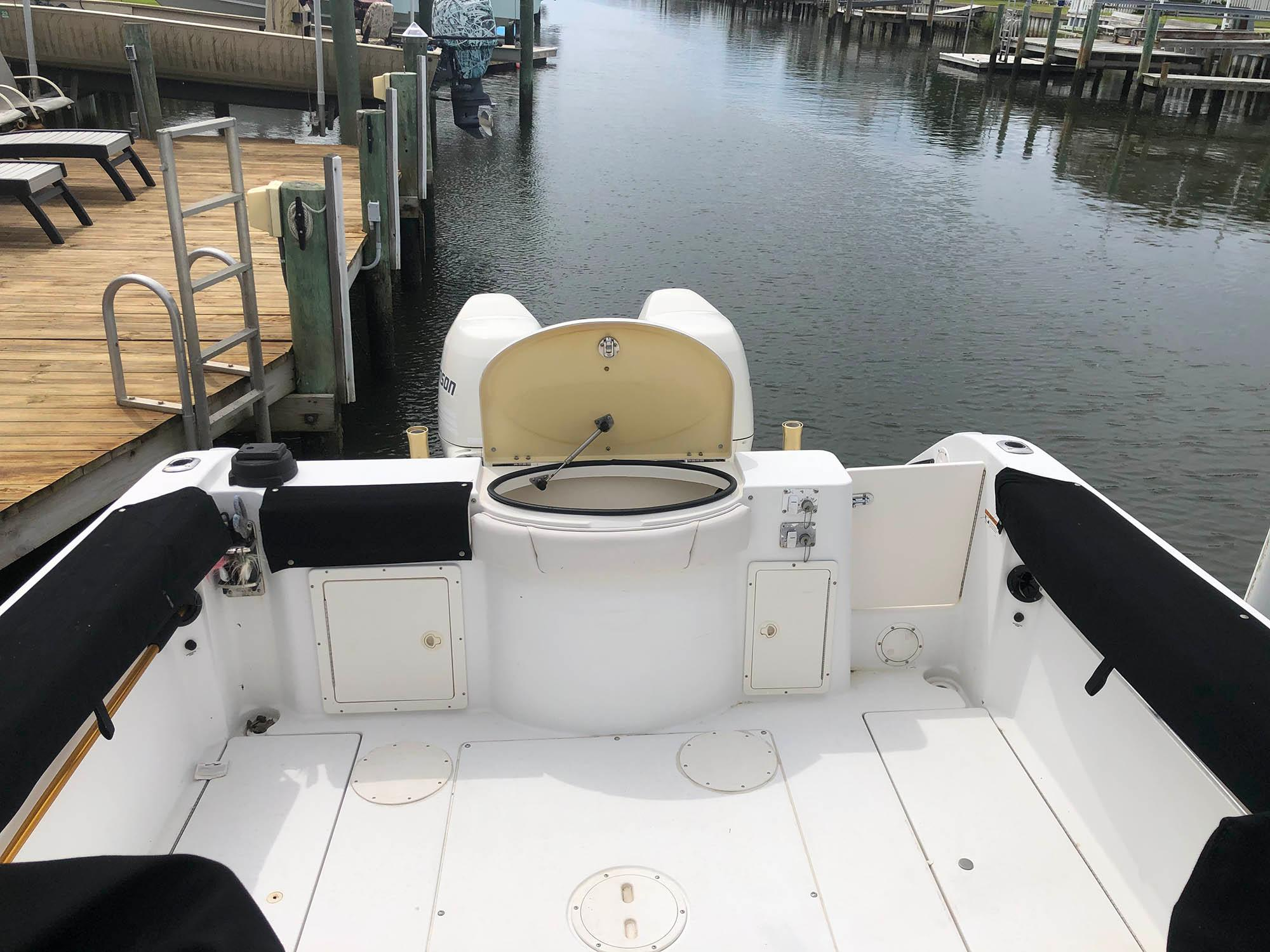 NC 5573 EE Knot 10 Yacht Sales
