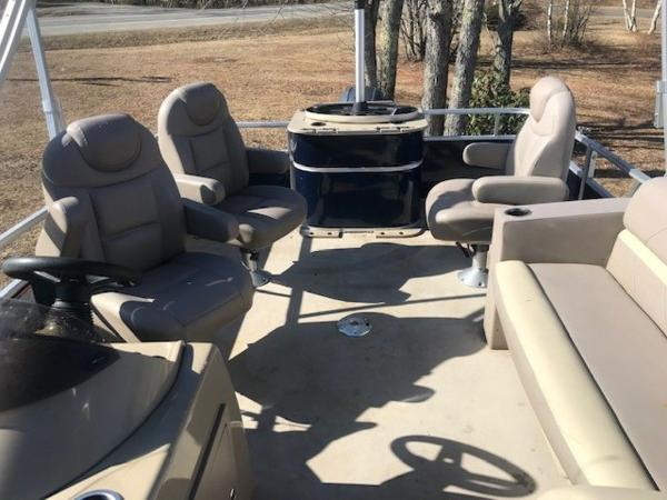 2018 SunChaser boat for sale, model of the boat is 22' GENEVA CRUISE & Image # 3 of 13