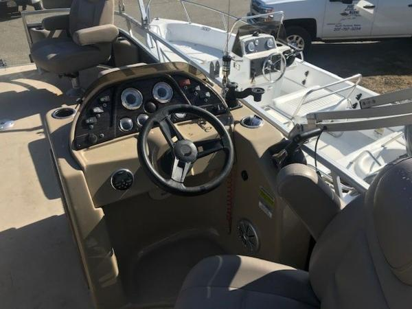 2018 SunChaser boat for sale, model of the boat is 22' GENEVA CRUISE & Image # 4 of 13