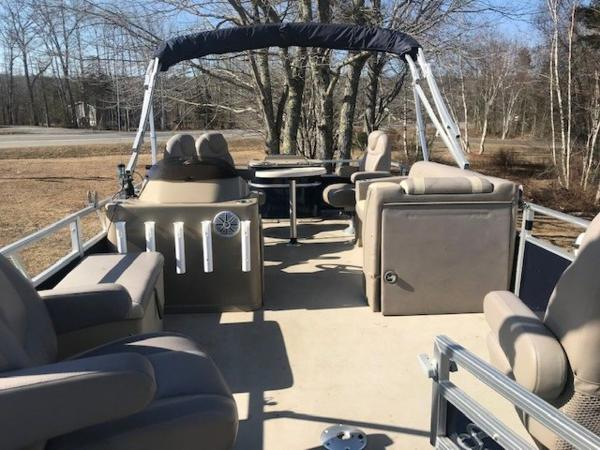 2018 SunChaser boat for sale, model of the boat is 22' GENEVA CRUISE & Image # 7 of 13