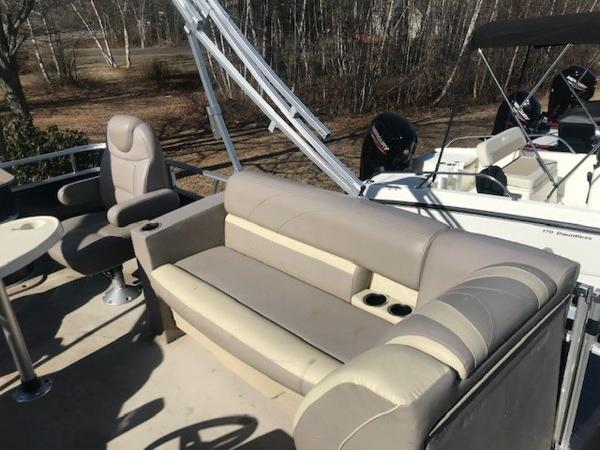2018 SunChaser boat for sale, model of the boat is 22' GENEVA CRUISE & Image # 8 of 13