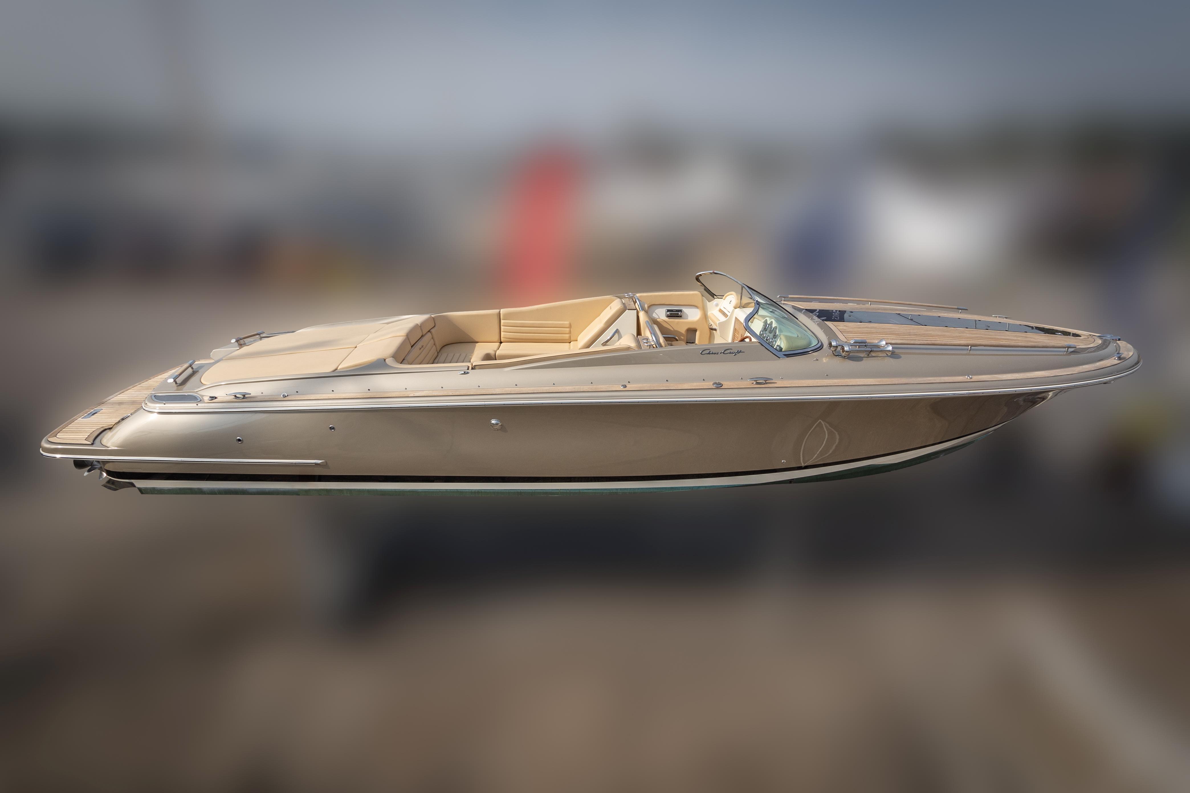 Chris-Craft Corsair 32