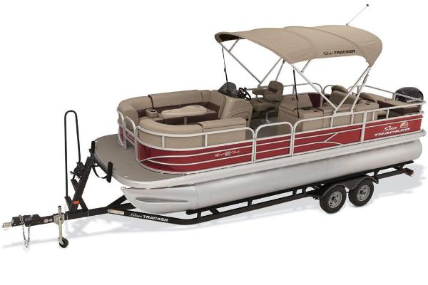2018 Sun Tracker boat for sale, model of the boat is SportFish 22 DLX & Image # 2 of 8