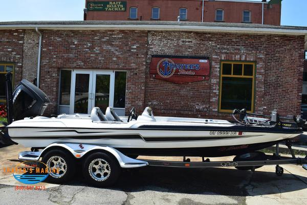 2016 Bass Cat Boats boat for sale, model of the boat is Cougar FTD & Image # 4 of 5