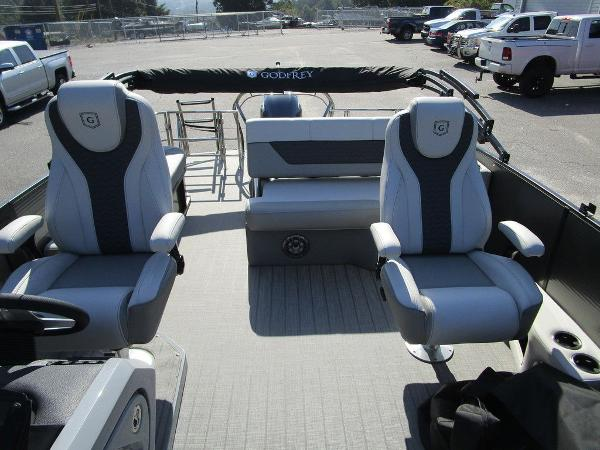 2021 Godfrey Pontoon boat for sale, model of the boat is Monaco 235 SFL GTP 27 in. & Image # 21 of 32
