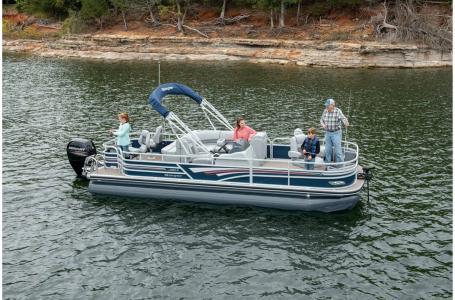 2021 Ranger Boats boat for sale, model of the boat is 220F & Image # 3 of 37