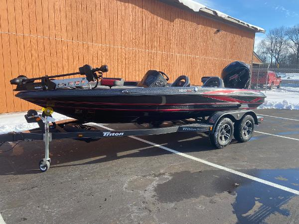 2021 Triton boat for sale, model of the boat is 189 TRX & Image # 4 of 31