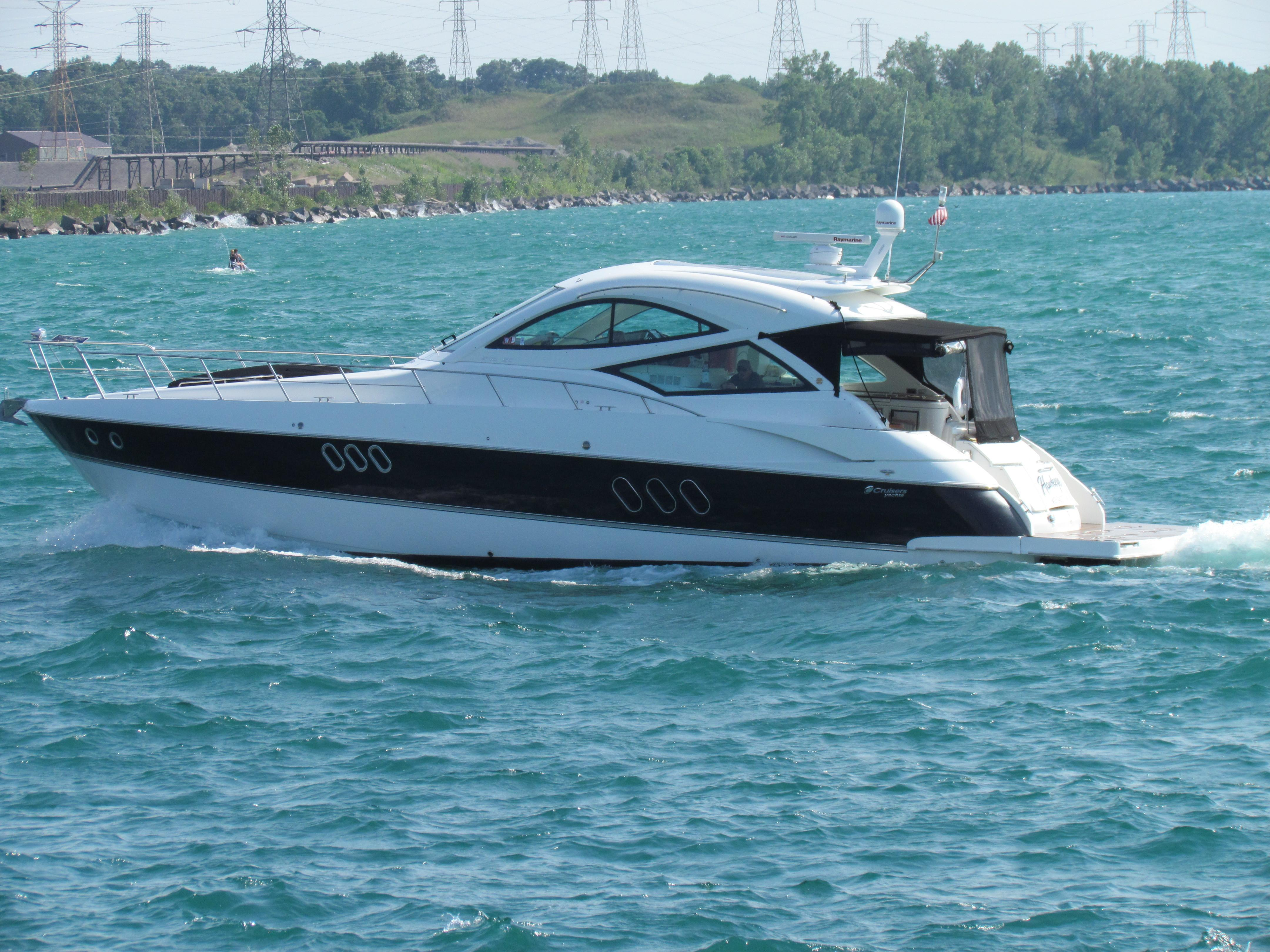 54' Cruisers Yachts 2012