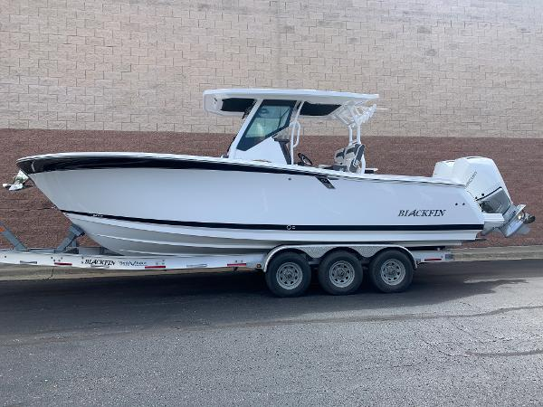 2021 Blackfin boat for sale, model of the boat is 272CC & Image # 3 of 56