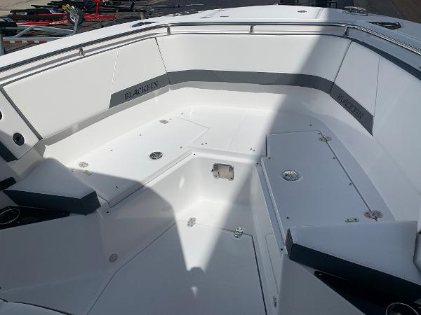 2021 Blackfin boat for sale, model of the boat is 272CC & Image # 34 of 56
