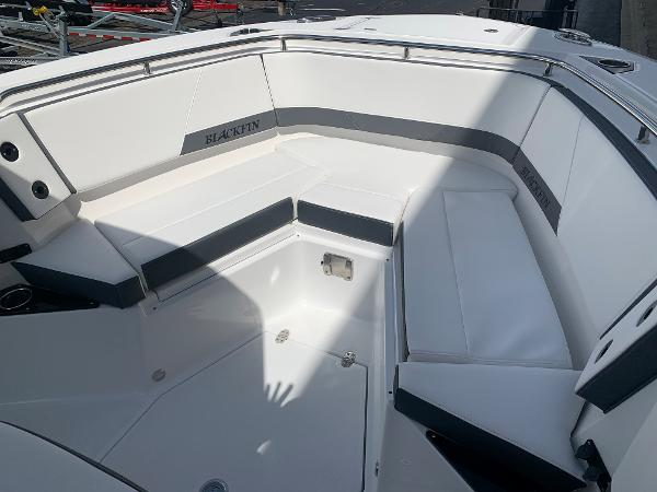2021 Blackfin boat for sale, model of the boat is 272CC & Image # 36 of 56