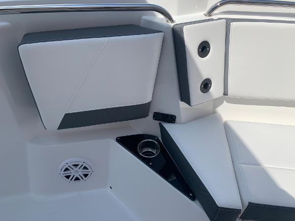 2021 Blackfin boat for sale, model of the boat is 272CC & Image # 37 of 56