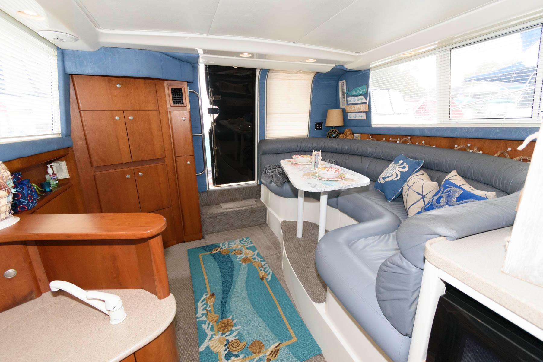 M 5787 DD Knot 10 Yacht Sales