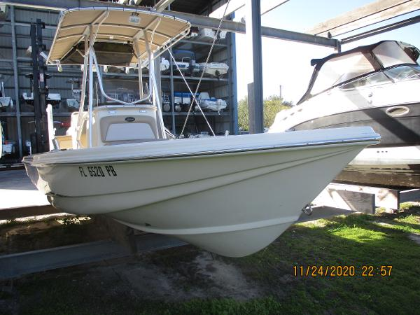 2009 Scout 240 Bay Scout
