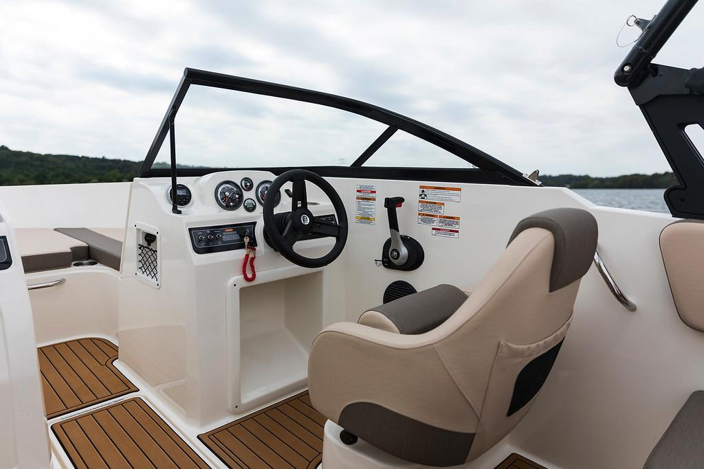 2021 Bayliner VR4 Bowrider I/O