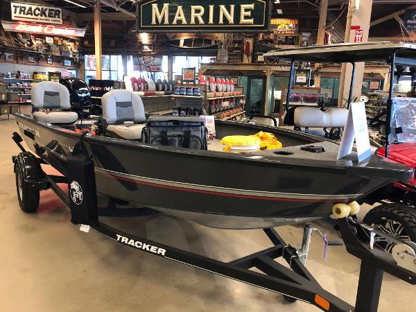 2020 Tracker Boats boat for sale, model of the boat is Guide V-16 Laker DLX T & Image # 2 of 32