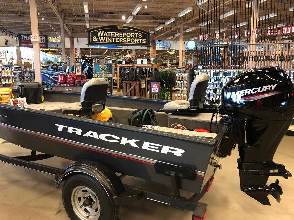 2020 Tracker Boats boat for sale, model of the boat is Guide V-16 Laker DLX T & Image # 1 of 32