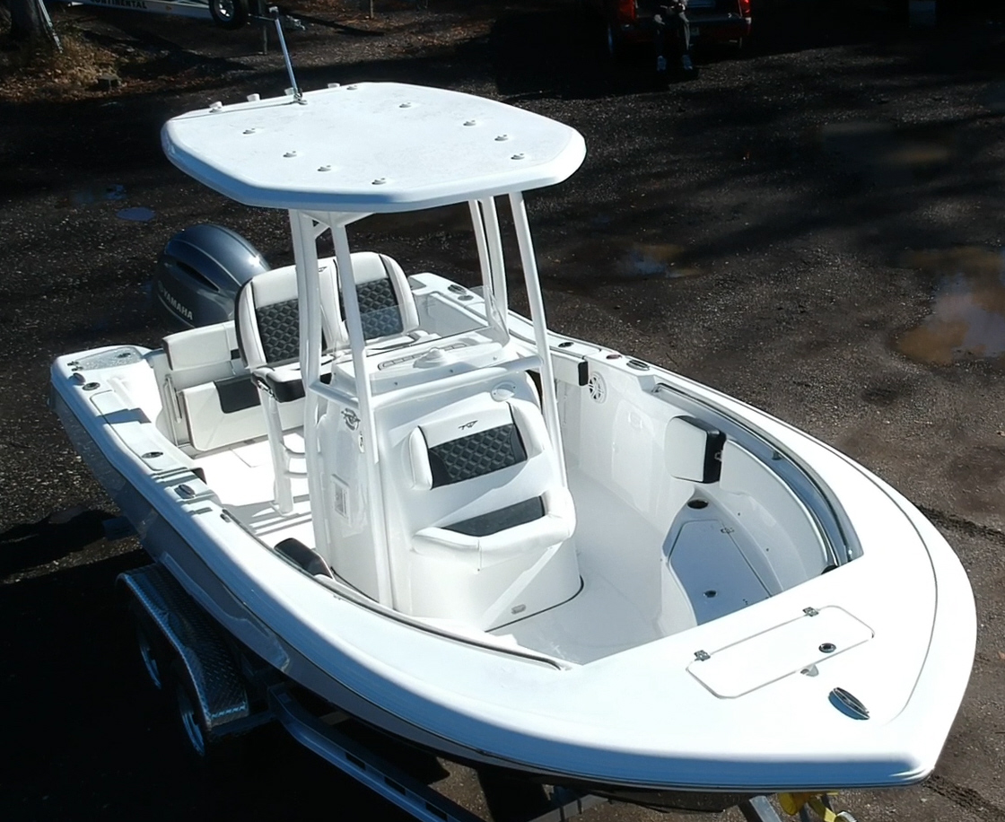 2021 TIDEWATER BOATS 220 CC Adventure