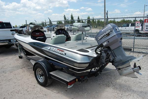 2000 Triton boat for sale, model of the boat is 170 & Image # 4 of 10