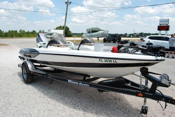 2000 Triton boat for sale, model of the boat is 170 & Image # 10 of 10