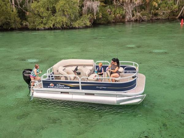2020 Sun Tracker boat for sale, model of the boat is Bass Buggy® 16 XL & Image # 1 of 1