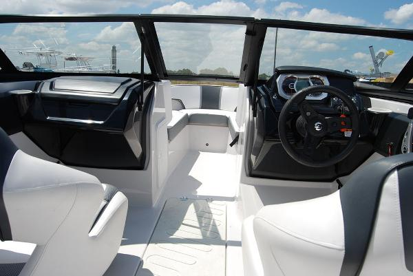 2019 Scarab boat for sale, model of the boat is 195 & Image # 3 of 12