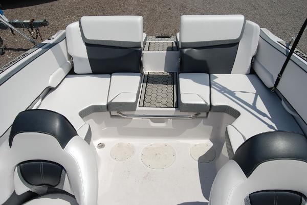 2019 Scarab boat for sale, model of the boat is 195 & Image # 4 of 12