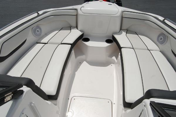 2017 Yamaha boat for sale, model of the boat is AR210 & Image # 10 of 12