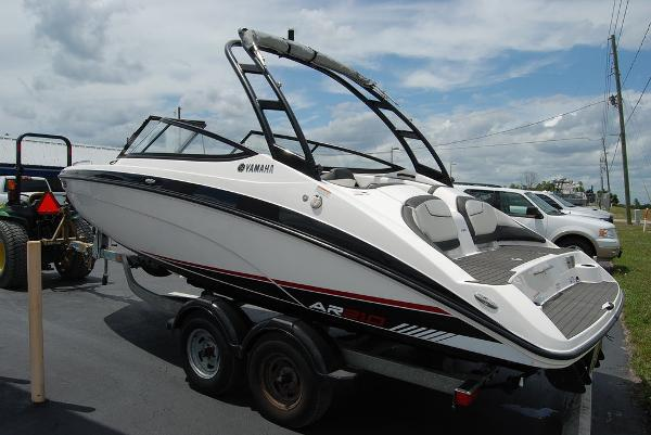 2017 Yamaha boat for sale, model of the boat is AR210 & Image # 3 of 12
