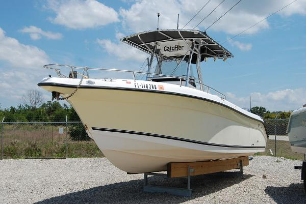 2005 Century boat for sale, model of the boat is 2600 & Image # 11 of 13