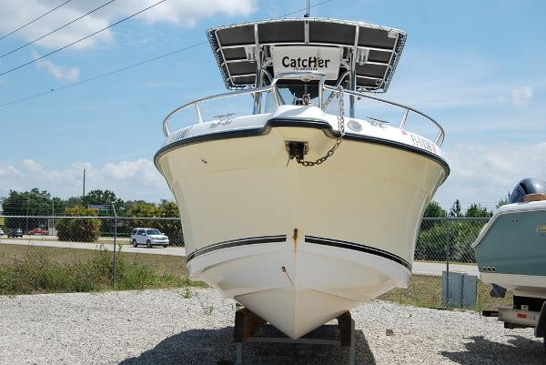 2005 Century boat for sale, model of the boat is 2600 & Image # 12 of 13