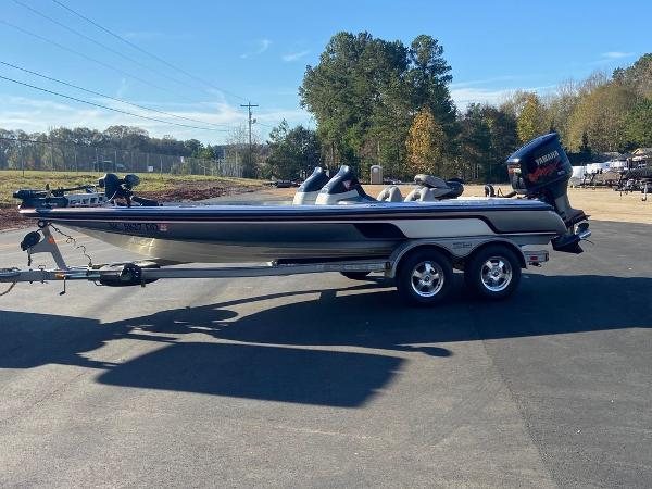 2006 Skeeter boat for sale, model of the boat is ZX225 & Image # 1 of 7