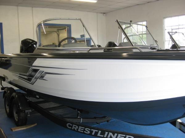 2022 CRESTLINER 2250 Authority thumbnail
