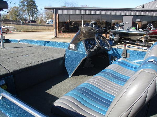 1996 Ranger Boats boat for sale, model of the boat is 391 XT & Image # 2 of 7