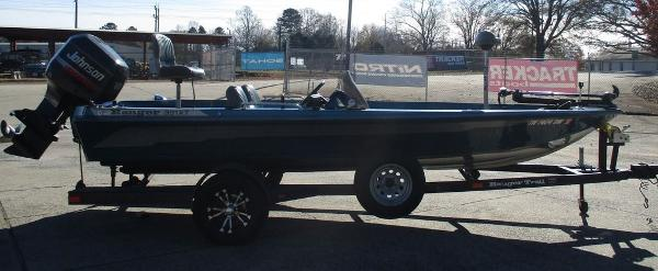 1996 Ranger Boats boat for sale, model of the boat is 391 XT & Image # 3 of 7