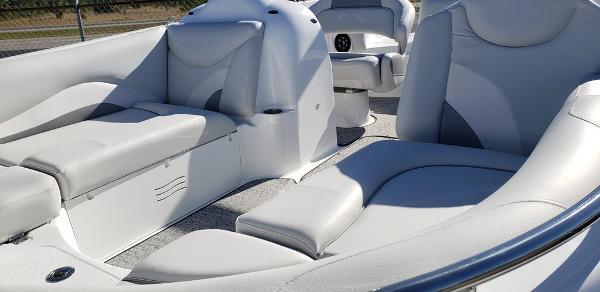 2021 Hurricane boat for sale, model of the boat is SunDeck Sport 202 OB & Image # 2 of 5