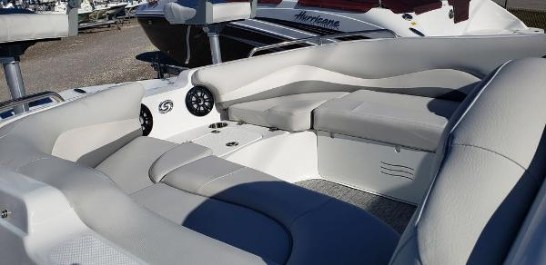 2021 Hurricane boat for sale, model of the boat is SunDeck Sport 202 OB & Image # 3 of 5