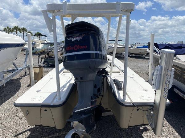 1999 Hewes boat for sale, model of the boat is Red Fisher 19 & Image # 3 of 8